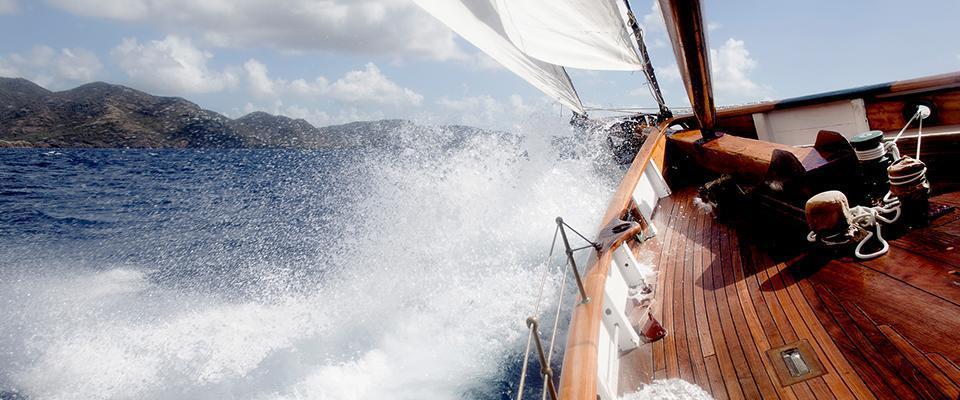 Jacht drewniany